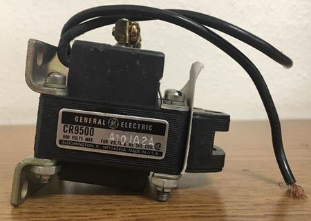 Label view of a GE CR9500A101A2A industrial solenoid
