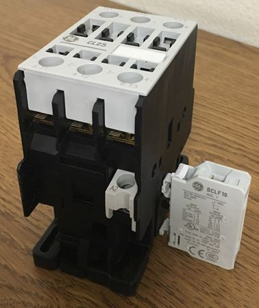 the label of a GE CL25A310TU contactor