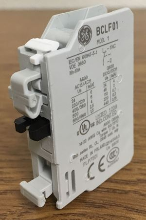 Image of the angle of a GE BCLF01 auxiliary contact