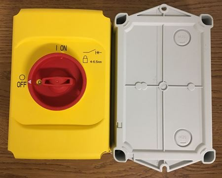 Image of the front and back of an ABB IB132-Y enclosure