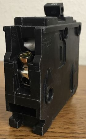 the end of a B120 SIEMENS bolt on circuit breaker